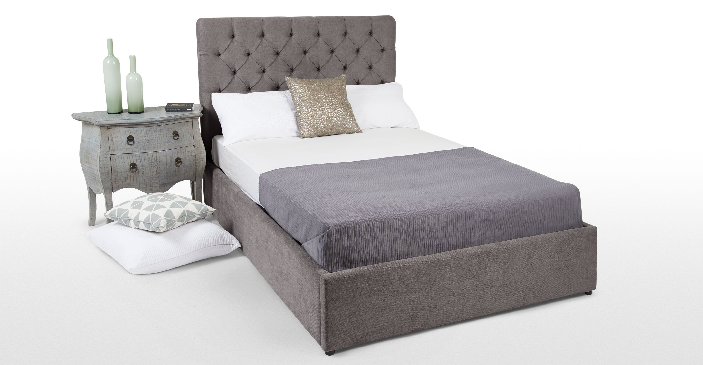 skye un lit king size avec rangement gris tain. Black Bedroom Furniture Sets. Home Design Ideas