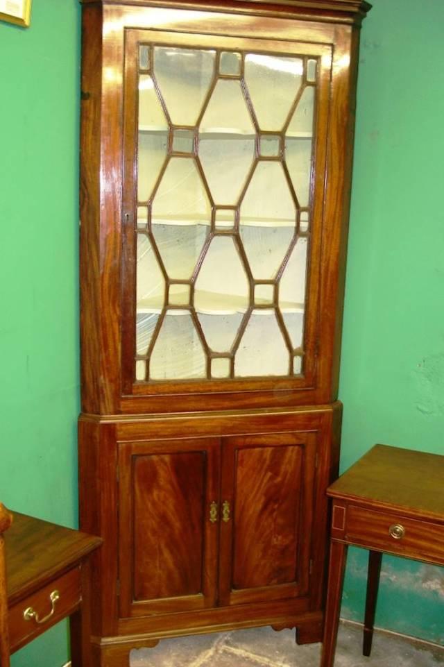 free-standing double corner cupboard