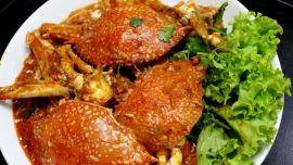 Delicious chilli crabs.