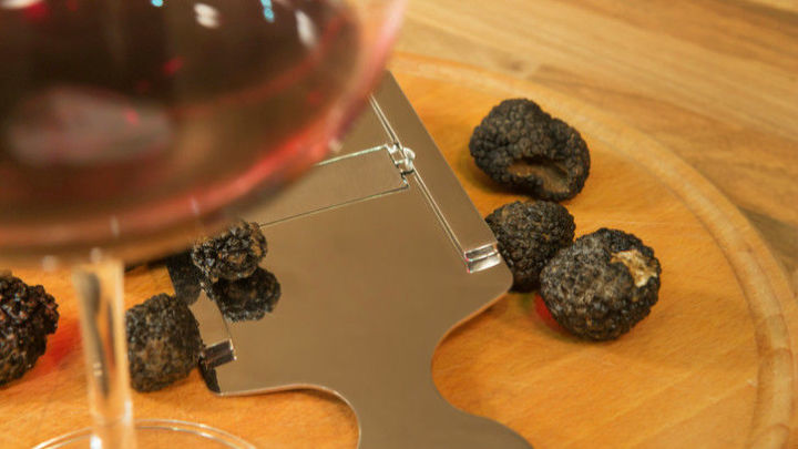YsEpicure, your new go-to store for red wine and black truffle products.