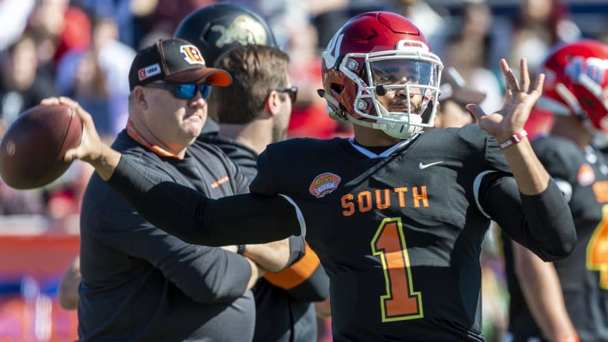 Oklahoma QB Jalen Hurts missed grandfather's funeral for Senior Bowl practice