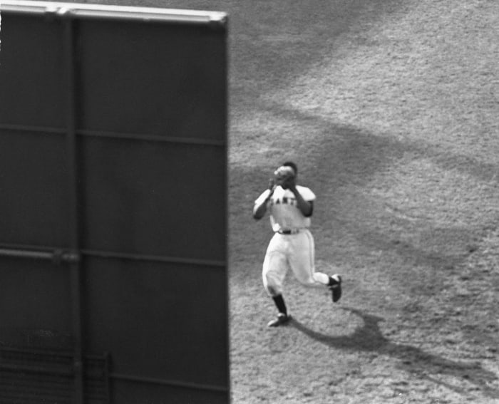 1954: Game 1 - New York Giants 5, Cleveland Indians 2 (10 innings)