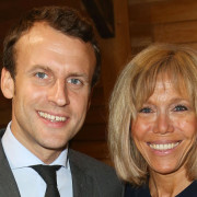 Vf_macron_slider_2543.jpeg_north_1200x_white_yan53a
