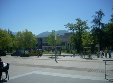 Study Abroad Reviews for API (Academic Programs International): Grenoble - Université des Alpes