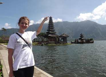 Study Abroad Reviews for Travellers Worldwide: Internship and Work Experience Placements in Indonesia