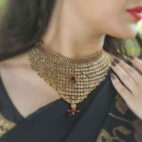 Classic White and Red Gold Plated Kundan Bridal Set