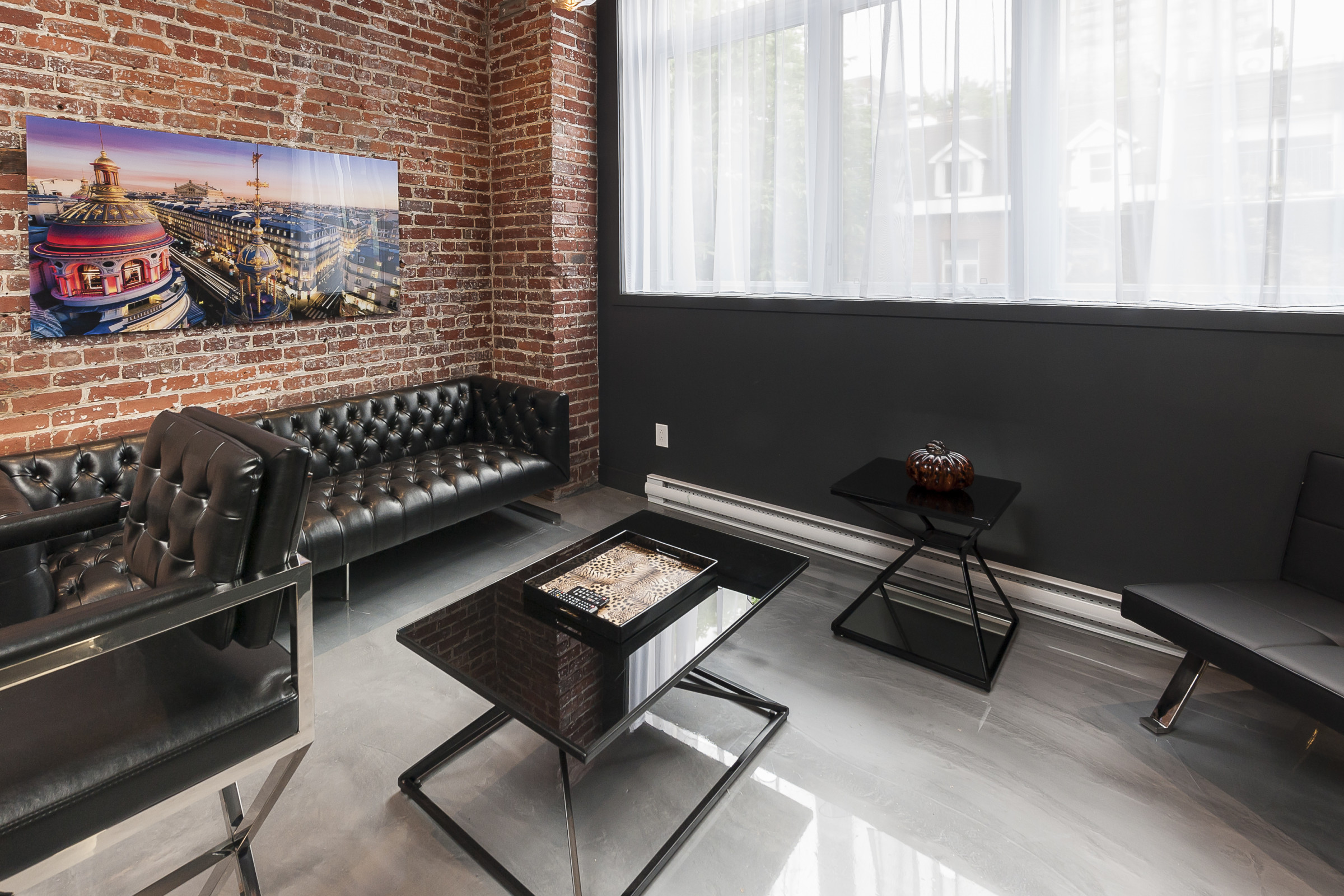 Hotel Milton Parc Is Definitely The Reference Type Loft Design Hotels In  Montreal In The Heart Of The City Center, Located At 3 Min Of Place Des  Arts.