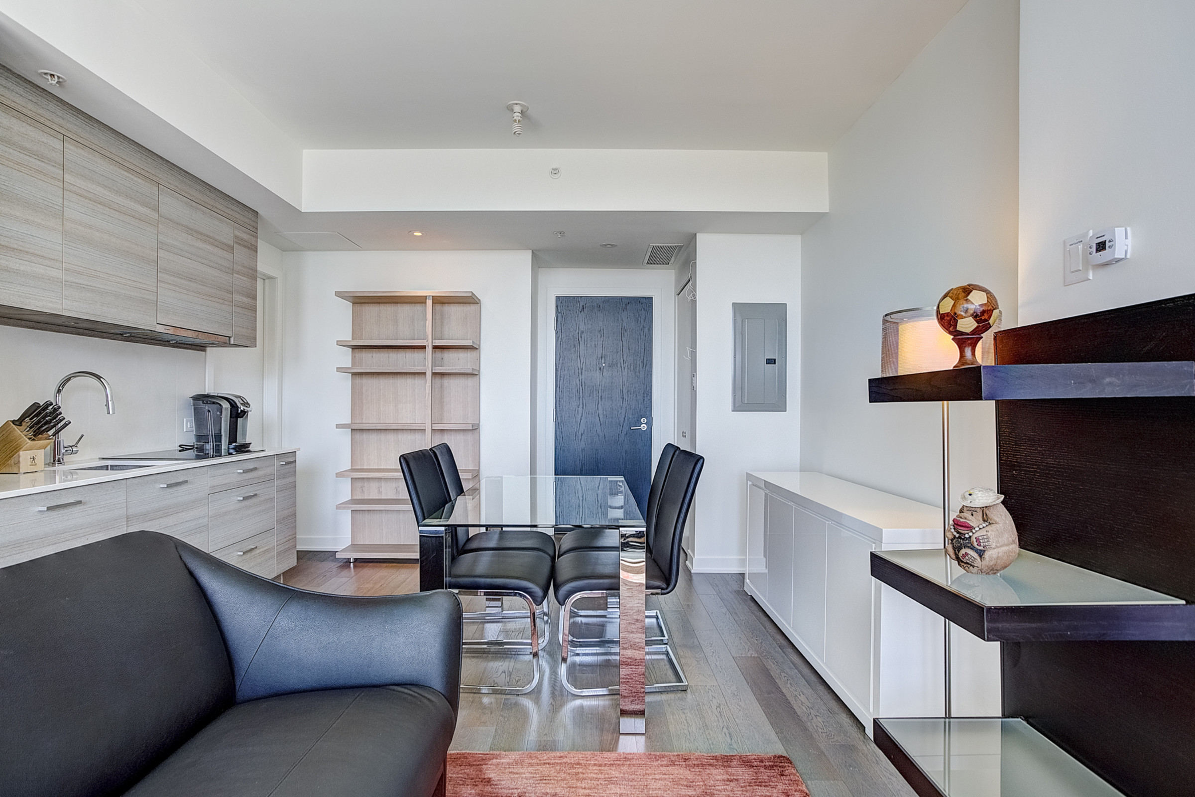 Studio Meuble A Louer Au Icone Montreal A Downtown Montreal