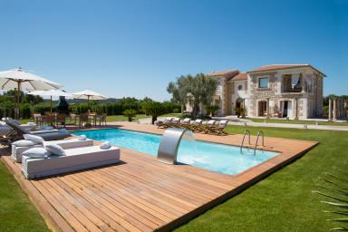 Ljus och luftig villa med luxuös inredning