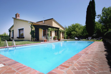 Modern villa med perfekt läge i Toscana