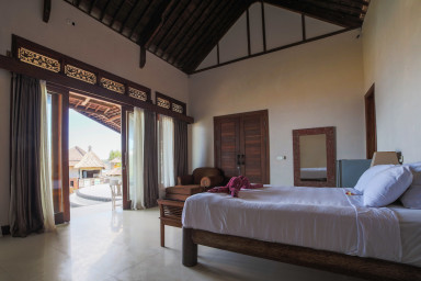 Master Bedroom North - lay on your bed and enjoy panoramic ocean views