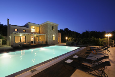Villa Luxos