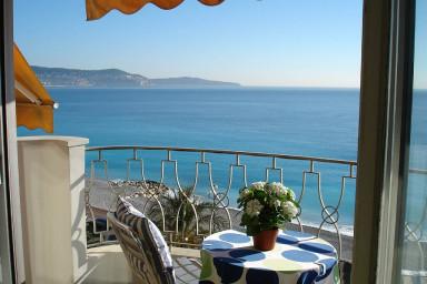 Perfekt lägenhet med bästa läge och magnifik utsikt över Nice-bukten