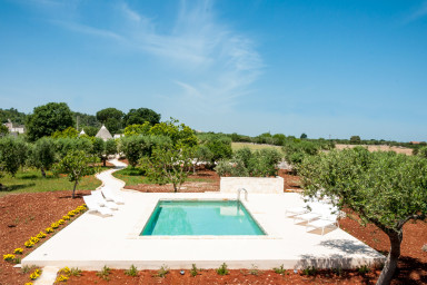 Trulli Prima Pietra: Mansion with Trulli and Private Pool