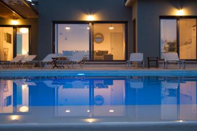 Villa Atokos - vue mer,infinity pool, levé de soleil magique