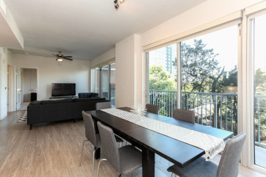 Downtown Austin/Rainey Street 2BD/ 2BTH Urban Gem