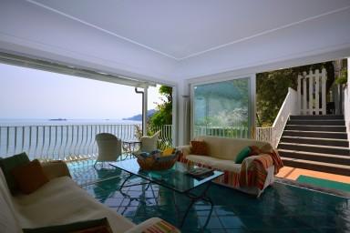 Läcker villa med unik utsikt över bukten i Positano