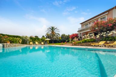 Lyxig villa med pool i Antibes