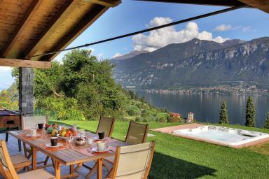 Modern lyxig villa med utsikt över pittoreska Comosjön