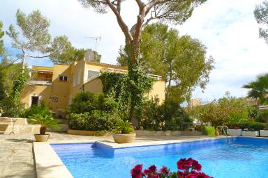 Makalös villa med pool för det stora sällskapet