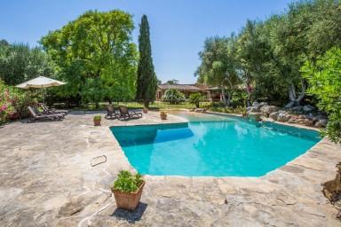 Underbart läckert hus med pool för hela familjen