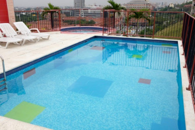 1-Bedroom Chipichape Penthouse with Rooftop Pool