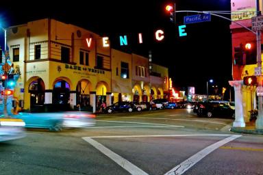 #Modern Beachside 2BR Den Venice