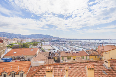 IMMOGROOM - View on the Port - Next to the beaches and Palais des Festivals