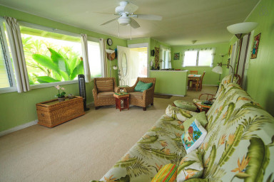 Best Location in town! Vintage Hawaiian style Beachlane home