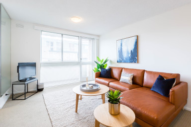 Stylish + Sunny St Kilda Beachside 1BDR Apartment