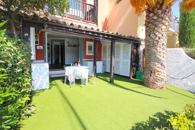 Renovated apartment with a large terrace and a 12m mooring