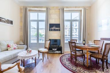Lovely apartment Place de la Bourse