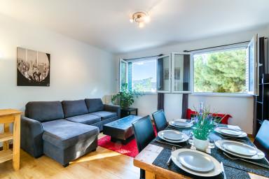 PRADO - VELODROME : 2-bedroom flat with carpark