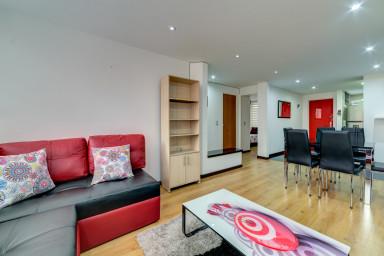 Cozy & Quiet 2 BR Apartment in Amazing Location