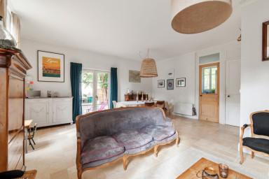 Grande maison familiale avec piscine à Ecully - W360