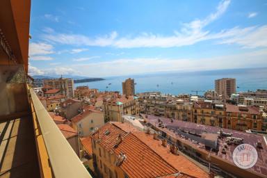 Appartement ensoleillé avec vue mer à deux pas de Monaco