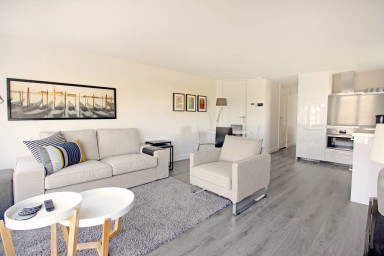 Huge and new 3bed apt near CS | Center, Canalview