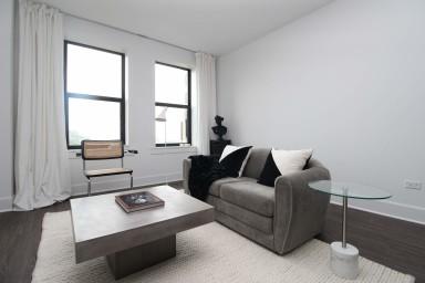 Lake Shore Luxury Suite No.1