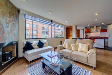 Modern Executive Two Bedroom Unit near Unicentro