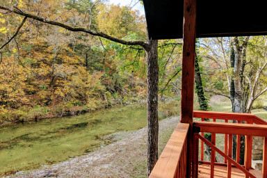 Livingston Creek Camphouse - with hot tub