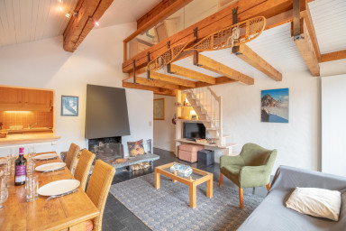 Beautiful duplex with fire place in Meribel Altitude 1600