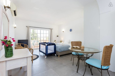 Quinta da Liberdade: studio 3 (with pool view)