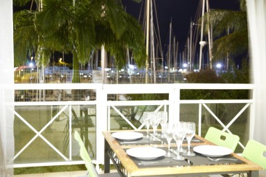 Amazing location with superb views of the Marina and walking beach access