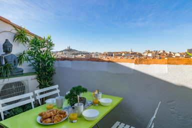 RARE - Beau loft sur les toits de Marseille!