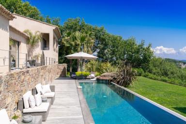 Luxueuse villa de 400m² au coeur du village de St Tropez