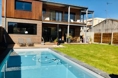 Maison d'architecte 3 chambres avec piscine.
