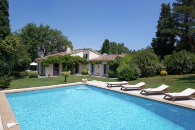 Magnifique villa de 340m² idéalement située à Saint-Tropez !