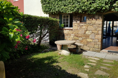 Enlarged stone house with WIFI, 2 terraces and a 16m mooring