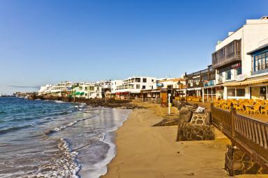 Cómodo apartamento con vista al mar en el centro de Playa Blanca - Sara N5