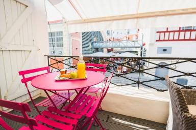 Appartement Design avec Terrasse et Parking aux Halles de Biarritz